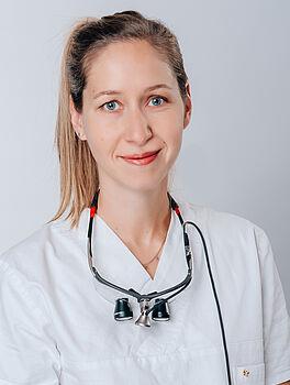 Frau Alisa Jaschke, Zahnärztin